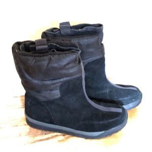 Lands' End insulated suede pull on winter boots